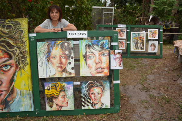 Artists Present Fine Arts Exhibition