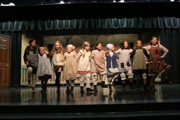 'Annie Kids' At Wellington Elementary