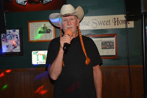Midnight Karaoke Heads Back To 1980s