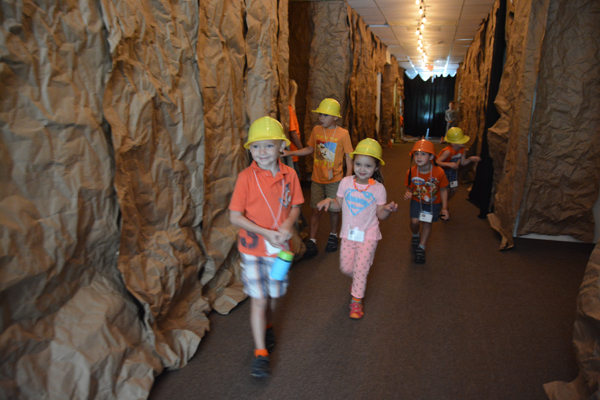 Kids Enjoy 'Cave Quest' At St. Peter's