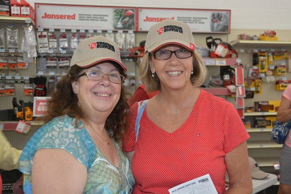 Tractor Supply Opens New Lox Store