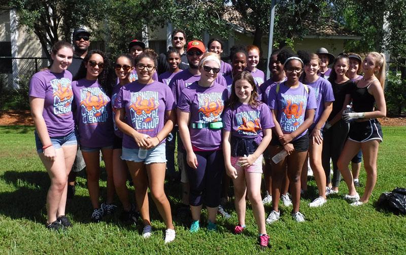 Volunteers Clean Up Wellington