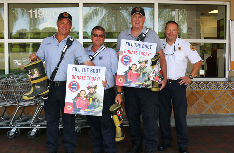 Firefighters Collect For MDA At Publix