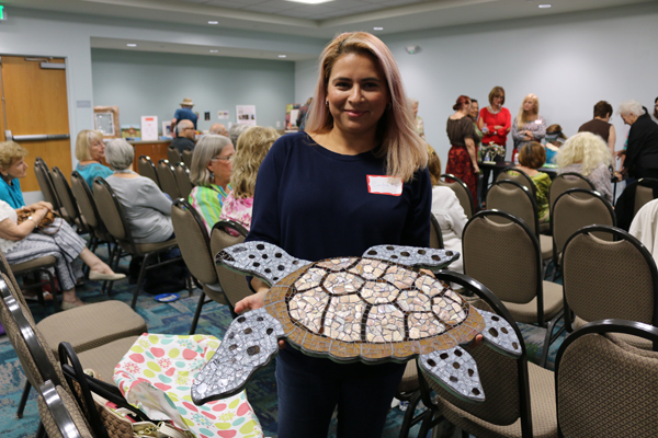 Art Society Meeting Features Jewelry-Making Demo